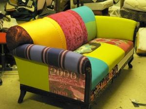 kirjava sohva